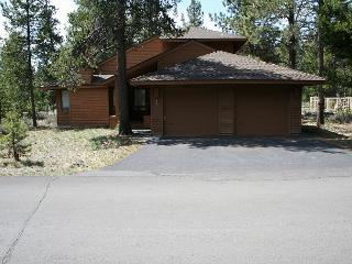 Tokatee 1 This single family home is well equipt & popular year round., Sunriver