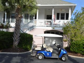 Golf Cart/Kayaks/Bikes- 3BR Villa- Walk to Beach, Isle of Palms