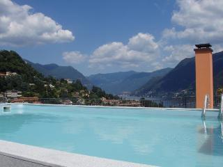 Superb penthouse with private pool lake views, Como