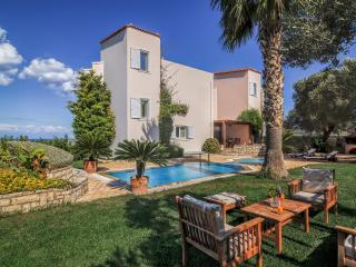 Villa Stella- peaceful and quiet,stunning garden!, Rethymnon