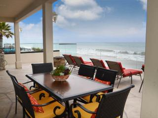 Beautifully Decorated Executive Beach House on the Beach! 625, Dana Point