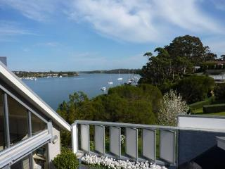 Luxurious, private B&B with commanding lake views., Paynesville