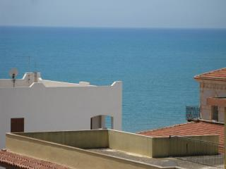 Beachfront Penthouse, with a breathtaking view, Marina di Ragusa