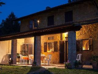 Beautiful cottage with pool and a relaxing garden, Chianni