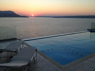 Amor a dream holiday fully private villa in Plaka, Chania
