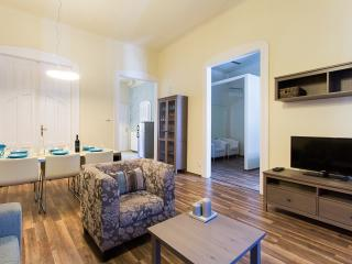 ASTORIA-LUXE Apartment with 2 Bathrooms and WIFI, Budapest