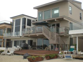 Large Family Beach House-Sleeps 10 (or 18 if rented with upper) 065, Dana Point