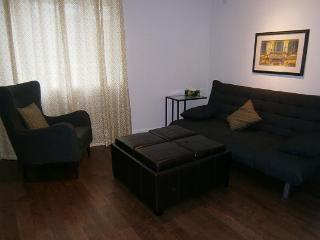 Beach Area Furnished Apartment  Pan Am Games/ WJC, Toronto