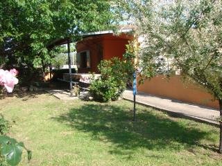 BUNGALOW, LAIN AT A 1000 MT FROM IS ORROSAS BEACHES., Arbatax