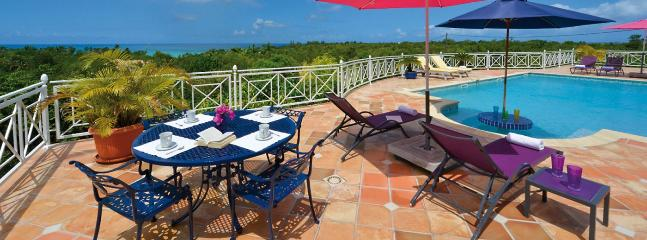 SPECIAL OFFER: St. Martin Villa 148 An Extensive Terrace And A Large Pool With Built-in Table At The Shallow End, Perfect For Relaxing And Cooling Off., Terres Basses
