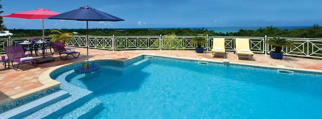 SPECIAL OFFER: St. Martin Villa 406 An Extensive Terrace And A Large Pool With Built-in Table At The Shallow End, Perfect For Relaxing And Cooling Off., Terres Basses