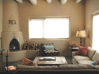 Casa Chamisal - Peace + Privacy Bet. Skiing + Town, Taos