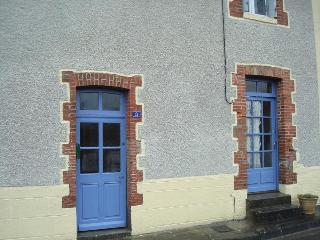 Traditional 2-storey stone village house, Dompierre-les-Eglises