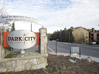 1BR Perfectly Located Condo, Park City Mountain Resort, Sleeps 4