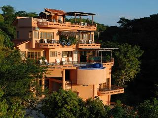 Casa Agave  5BR sleeps 10+ Huge ocean & town views, Sayulita