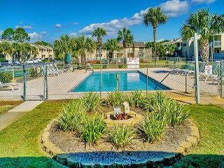BEAUTIFUL TOWNHOUSE FOR 5! TAKE 10% OFF MARCH STAYS!  CALL NOW!, Panama City Beach