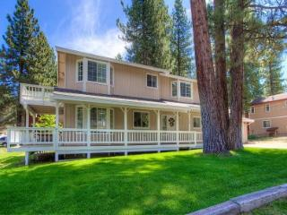 Only minutes to casinos or Heavenly Valley - HCH1030, South Lake Tahoe