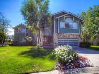 Luxurious 4 BR executive home on the water - TKH0910, South Lake Tahoe