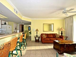 Dominican Suite - 2/2 Condo w/ On-Site Pool & Hot Tub - Near Smathers Beach, Key West