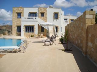 3 Apartment Complex in Chania, Gramvousa