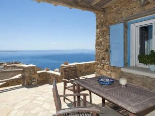 Beautiful 2-bdrm House in Mykonos, Oichalia