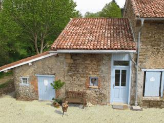 La Tulipe 2 persons Holiday Cottage, Saint-Leonard-de-Noblat