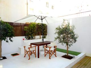 Modern Apartment with Outside Area, Lisbon