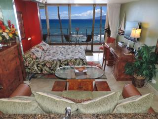 Luxury Oceanfront Mahana Kg Studio Listen to Waves, Lahaina