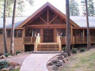 Country Club LAKEFRONT Plus Bunkhouse, Dock and Buoy, Lake Almanor Peninsula