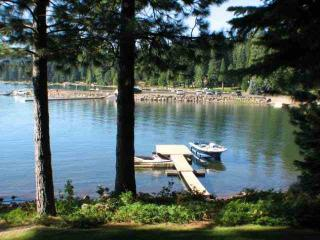 Country Club LAKEFRONT with Dock & Buoy, Lake Almanor Peninsula