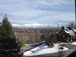 Sunny trail-side townhouse with amazing views!, Bretton Woods