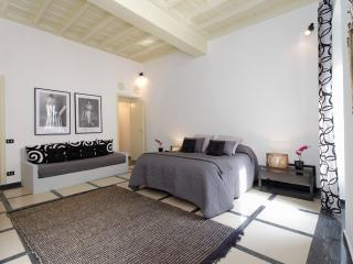 Vogue Apartment, Rome