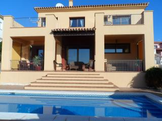 Fabulous Villa with Private Pool and Sea Views, Torrox