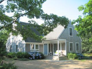 #716 Light & airy vacation rental home on Martha's vineyard, Edgartown