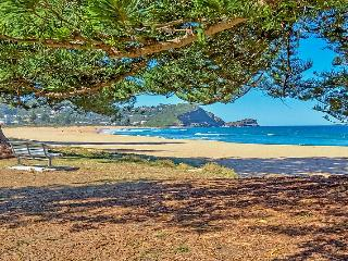 Beachfront Bliss - 133 Avoca Drive, Avoca Beach