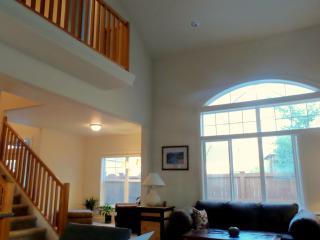 AMAZING View PILOT BUTT vaulted Ceilings, Granite,, Bend