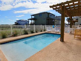 Looney Dunes, Sleeps 12, 4 Bedroom, 3.5 bath, PRIVATE POOL, Parking for 4, Port Aransas