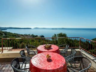 Apartments Matusko - Two Bedroom Apartment with Terrace and Sea View, Plat