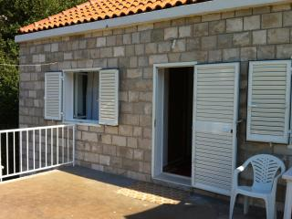 Guest House Ivica - Two-Bedroom Apartment with Terrace, Sudurad