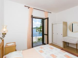 Apartments Marija- Two-Bedroom Apartment with Terrace and Sea View, Sobra