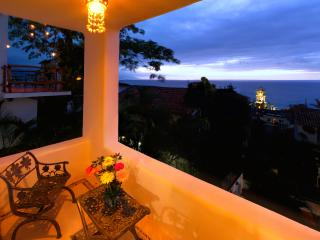 Beautiful Downtown Ocean View Room  | Sol 3, Puerto Vallarta