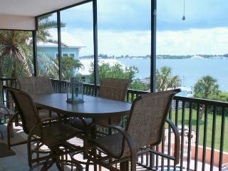 Coquina Moorings 203, Bradenton Beach