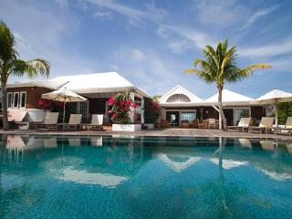 Within walking distance of town and Shell Beach WV HCH, Gustavia