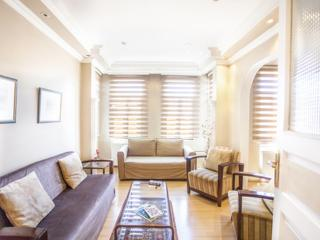 113 / Historical Spacious Flat 2BR, Istanbul
