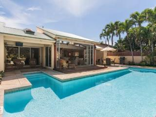 Lei Ohana Estate-Beautiful house and guest house in Poipu with private pool, sleeps 10