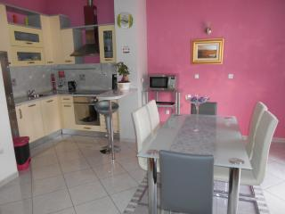 Holiday Penthouse with golf nearby, Podstrana