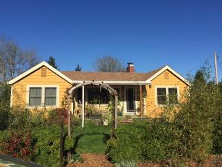 renovated bungalow near university and river park, Corvallis