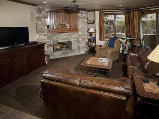 Ski In / Ski Out from this beautiful Strawberry Park Vacation Condo, in Beaver Creek., Vail