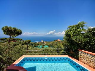 Peter's House, private pool, terrace with sea view, Priora