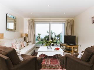 Sky 5* seaview luxury apartment at Hawkes Point, St. Ives